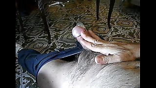 Curtindo no sof&aacute_ / Relaxing masturbation on the couch